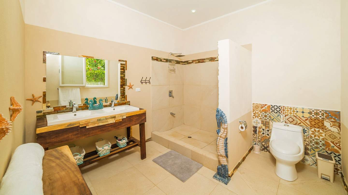 3328-The master bathroom