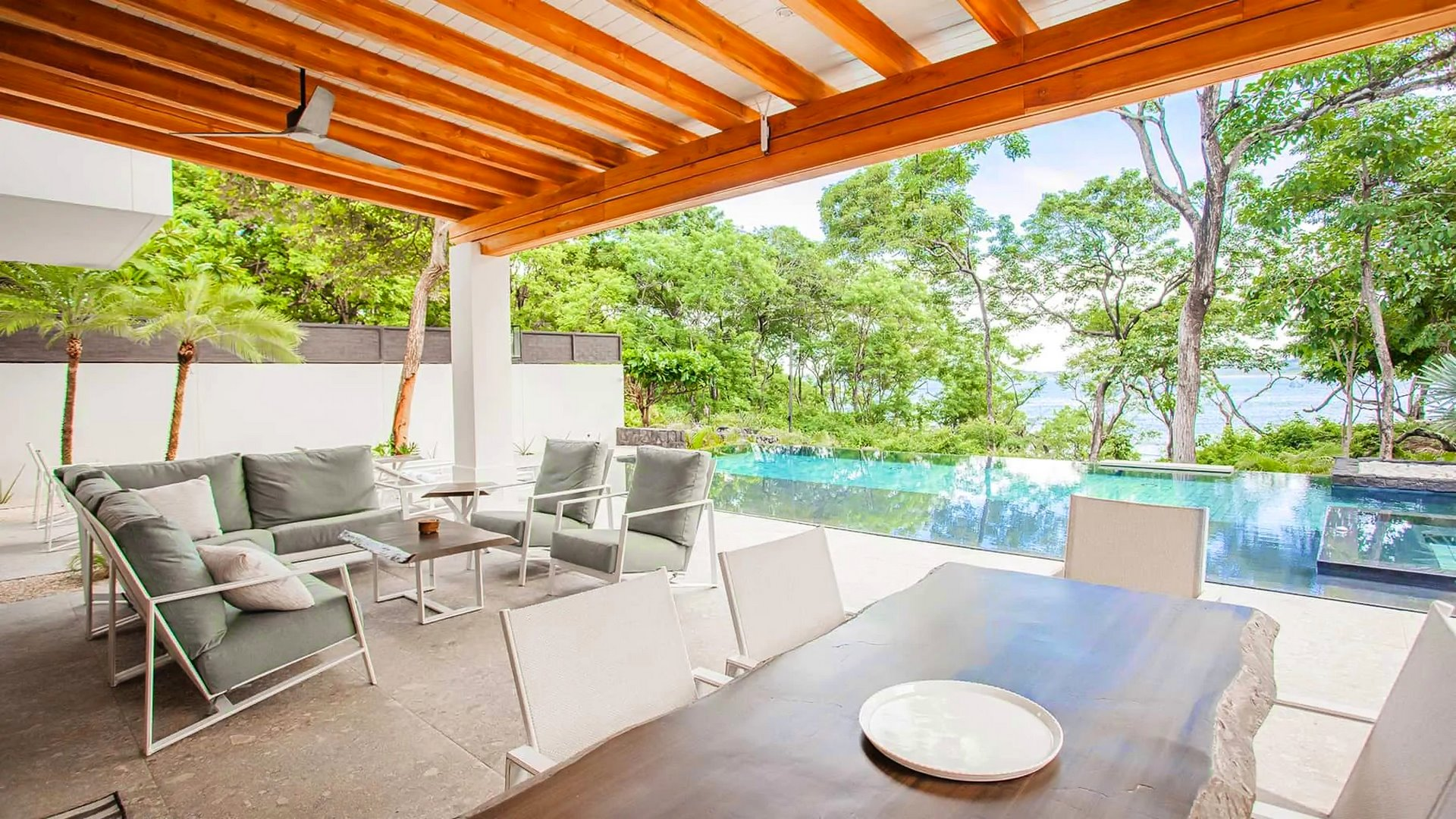 5783-The ocean views of the luxury beachfront home for sale in Langosta