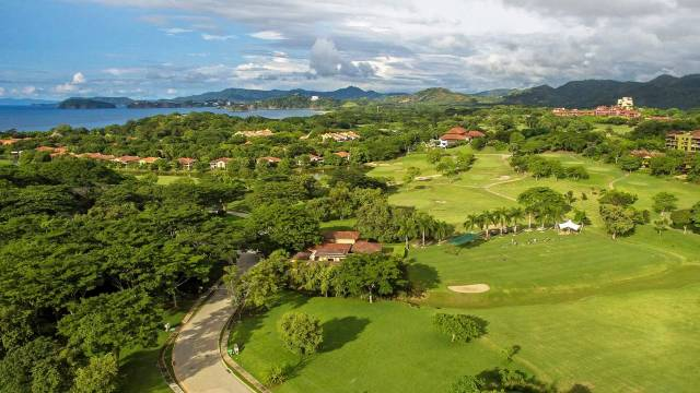 Spacious penthouse for sale in the elegant community of Reserva Conchal bordered by one of the most beautiful beaches in Costa Rica!