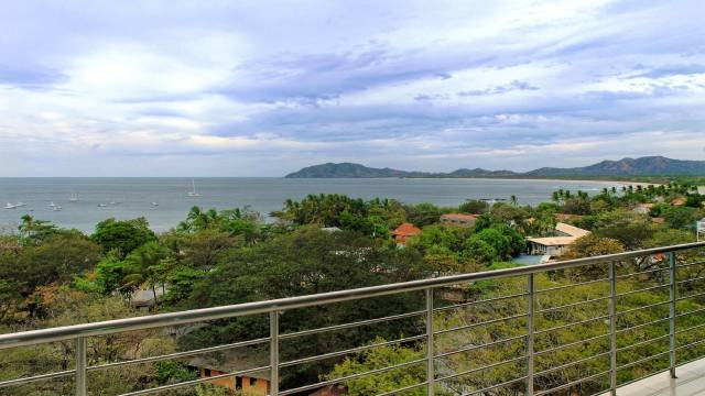 In Tamarindo, penthouse for rent with panoramic ocean views...