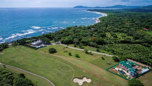 Lot for sale in Costa Rica in an exclusive setting with ocean views!