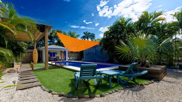 B&B for sale close to the beach town of Tamarindo.