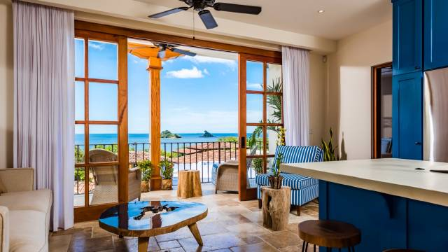 Charming ocean view condo for sale in Las Catalinas…