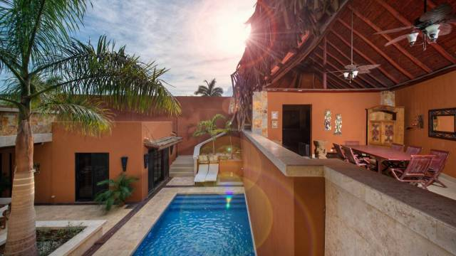 Very comfortable home for sale in Costa Rica, only twelve minutes on foot to the beach...